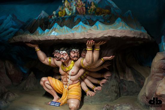 Ravana-lifting-Kailash-Parvat