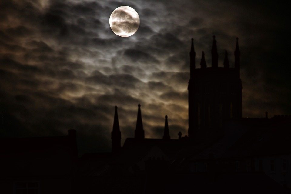 full-moon-2097326_960_720